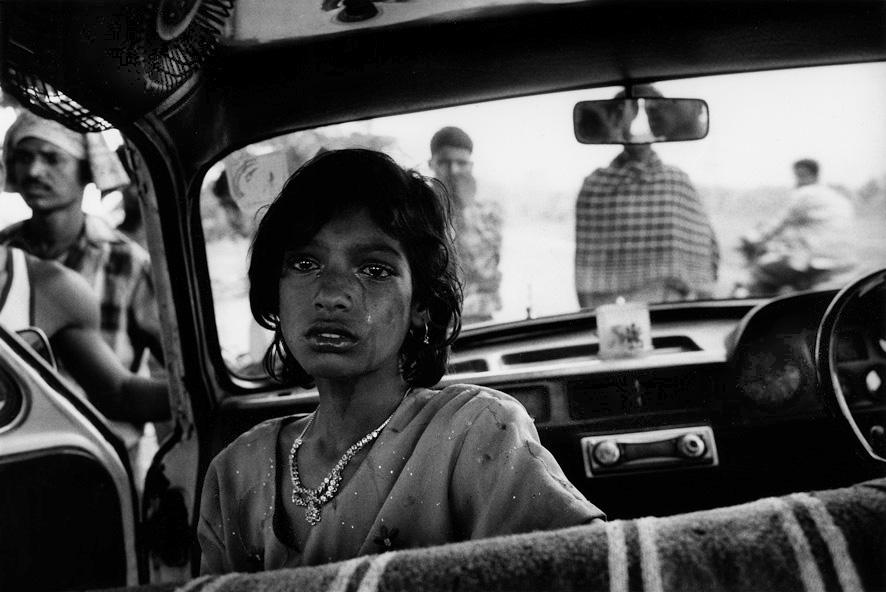 Peuple Jharia - Inde - Jeune fille en pleurs - 2005